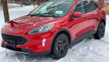 Ford_Escape_Red